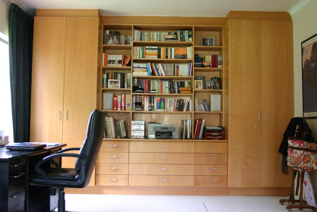 Study in beech veneer, Grazio style